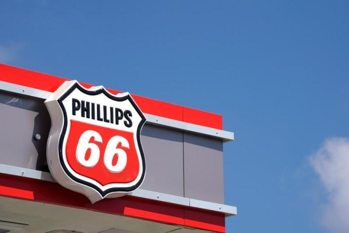 https://www.reuters.com/article/us-phillips-66-results/phillips-66-profit-beats-on-higher-fuel-margins-shares-jump-idUSKBN1X41DX-oag360