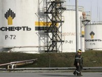 Russian oil output down in October, but misses OPEC deal target