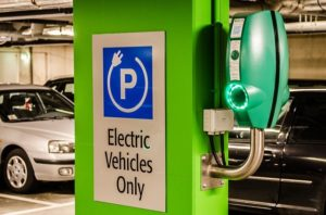 Iowa studies gaps between electric charging & natural gas filling stations - oilandgas360