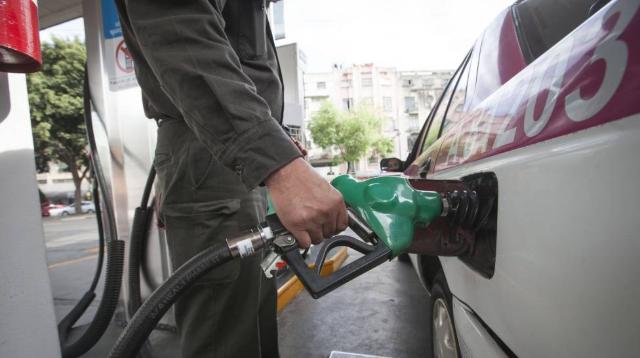 Gasolineras no quieren que Profeco las regule
