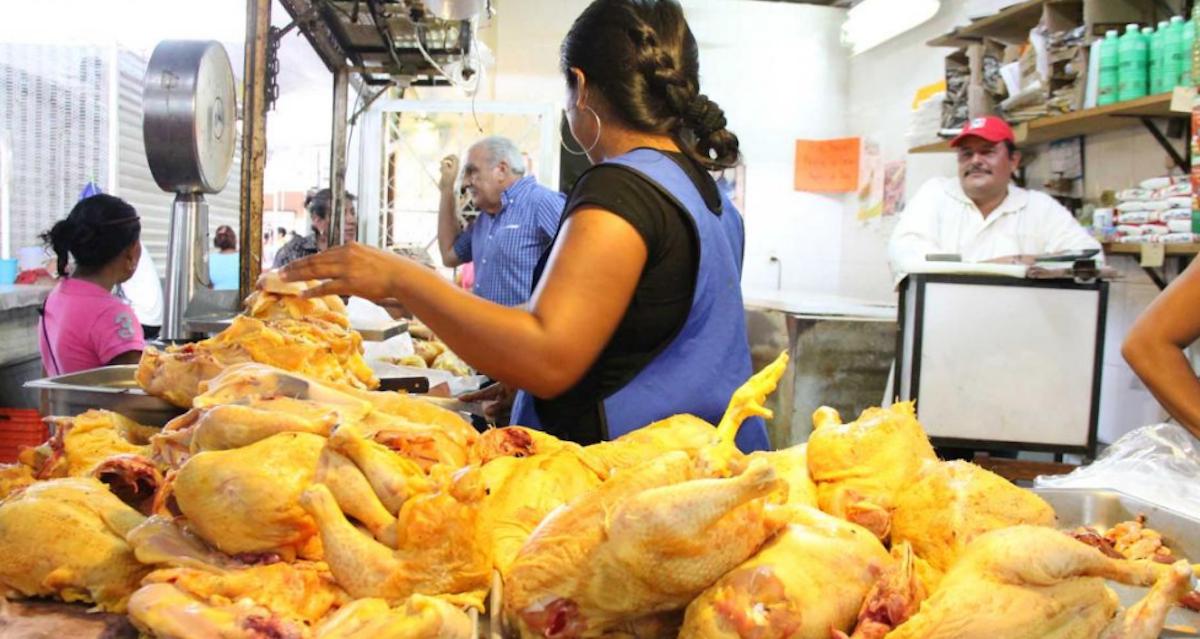 Pollo en el tianguis