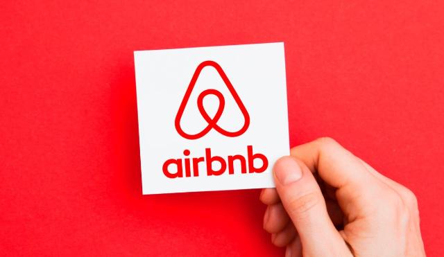 Airbnb quiere a mexicanos en su empresa