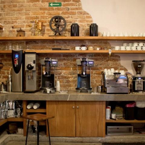 La cafetería es el negocio del desempleo