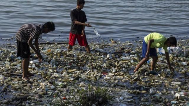 Los efectos negativos en el crecimiento económico por el agua contaminada