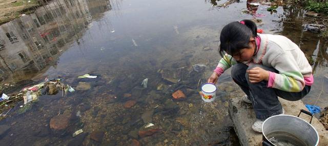 Los problemas de salud causados por el agua contaminada
