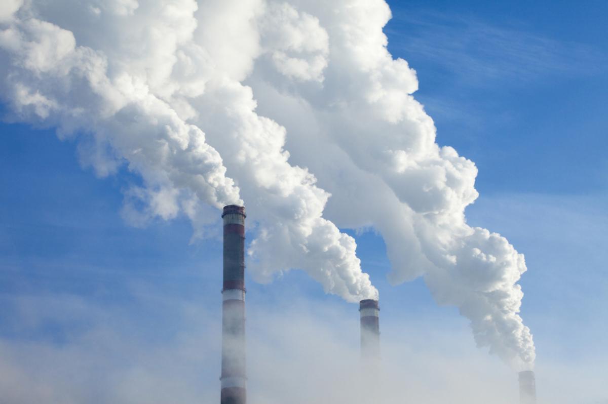 Transforman el CO2 en un combustible líquido