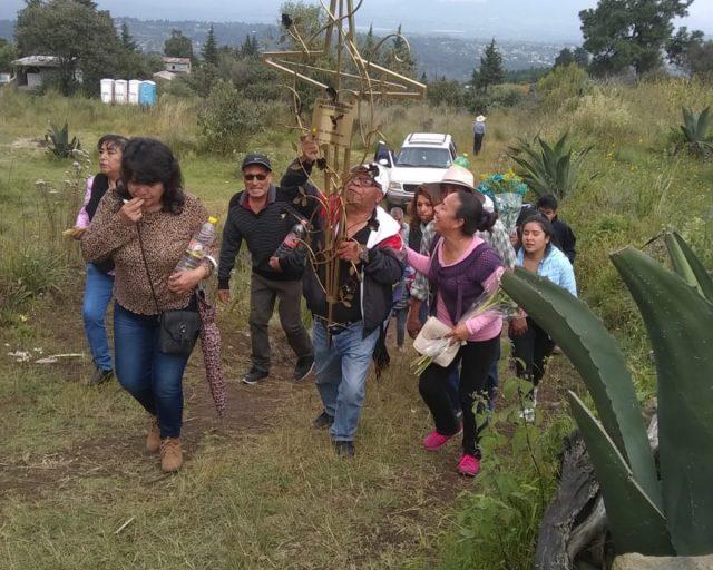 """Imagen: """"Levantamiento de la Cruz"""" en San Pablo Oztotepec, Milpa Alta, CDMX, 31 de octubre de 2019 (Imagen: Especial)"""