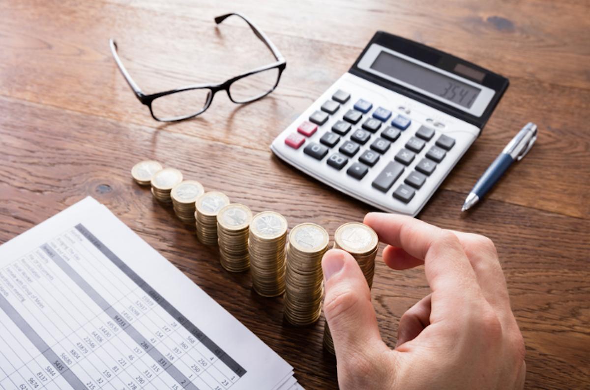 29, noviembre, 2019, impuestos, persona, calculando, impuestos