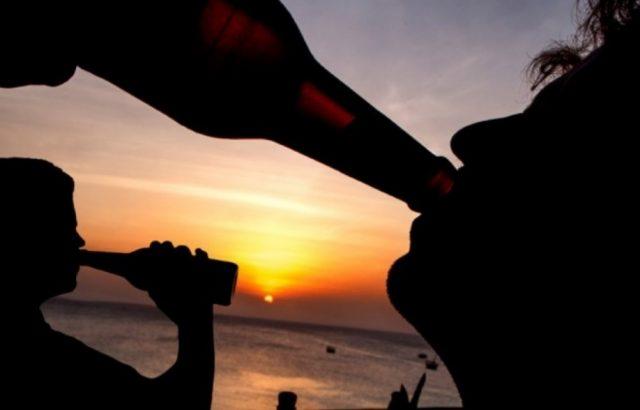 Imagen: Atardecer con una cerveza, 6 de noviembre de 2019 (Imagen: Especial)