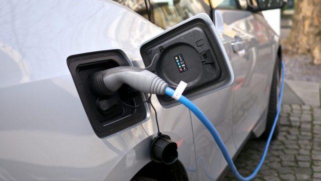 Imagen: Carga de batería de un auto eléctrico, 5 de noviembre de 2019 (Imagen: Especial)