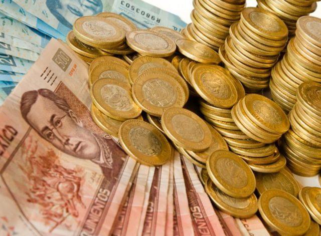 Imagen: Billetes y monedas para una sesión fotográfica, 7 de noviembre de 2019 (Imagen: Especial)