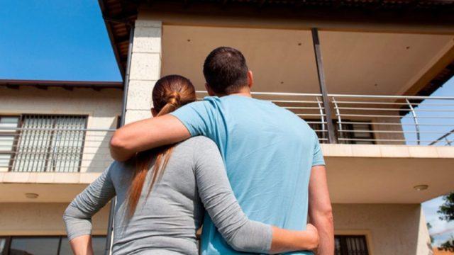 Imagen: Pareja planea comprar una casa, 26 de noviembre de 2019 (Imagen: Especial)