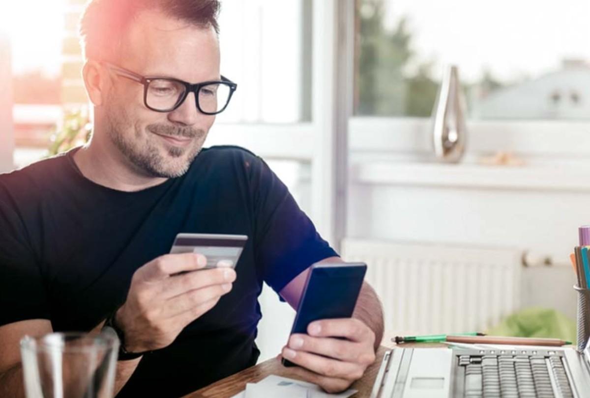 Imagen: Uso de tarjeta de crédito, 25 de noviembre de 2019 (Imagen: Especial)