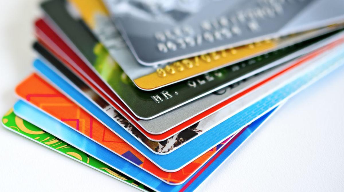 24 de diciembre 2019, Anualidad de tarjetas, tarjetas, tarjetas de crédito, plásticos, cuentas bancarias, tarjetas departamentales