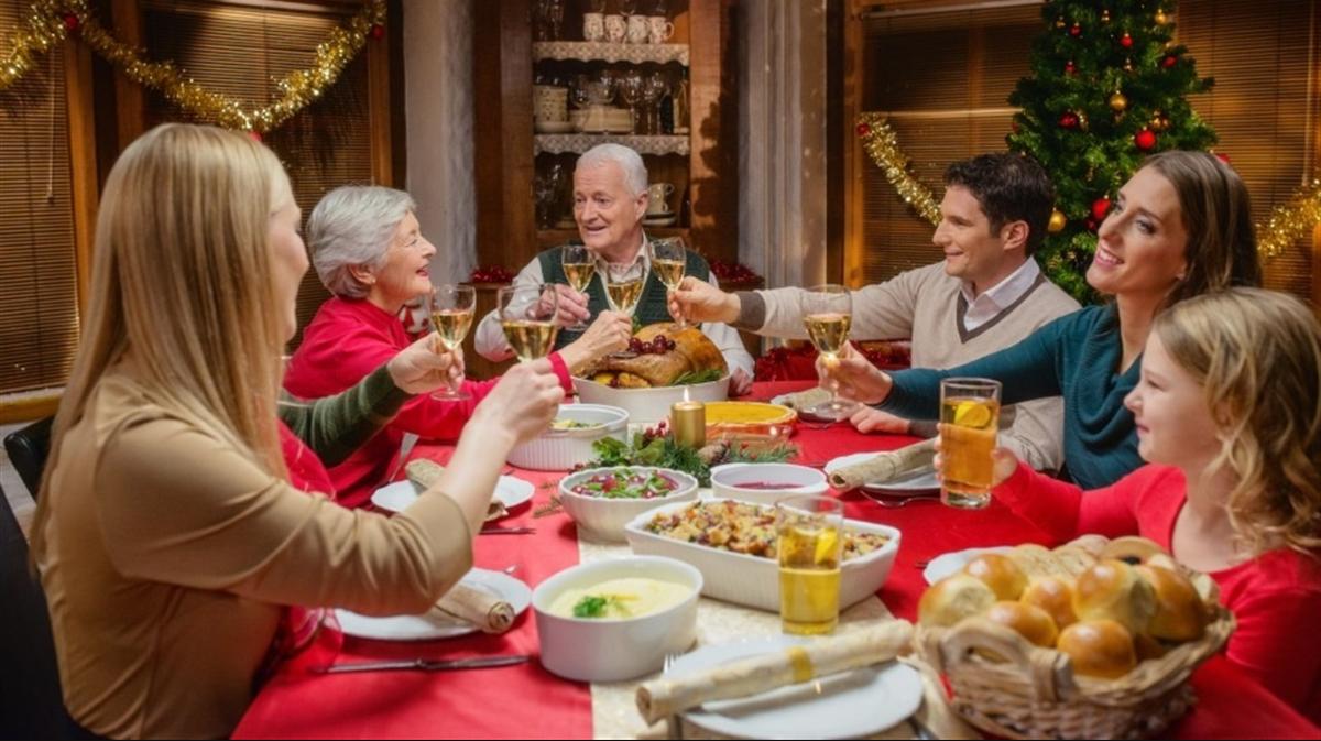 09 diciembre 2019, presupuesto para cena de navidad, cena, celebración, navidad, fiesta, comida, familia