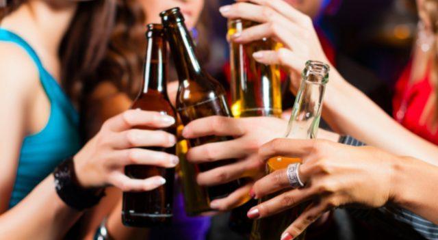 dinero, cerveza, consumo de cerveza (Imagen: Especial)