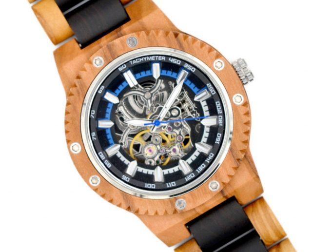 20 de diciembre de 2019, objetos del deseo, reloj, dinero, modelo de un reloj automático (Imagen: Especial)