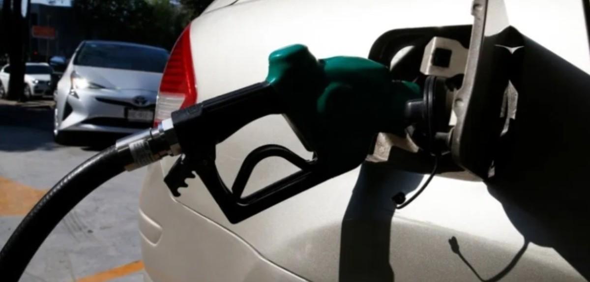 2 de diciembre de 2019, profeco, gasolina, dinero, cara, barata, despachan gasolina en México (Imagen: Especial)