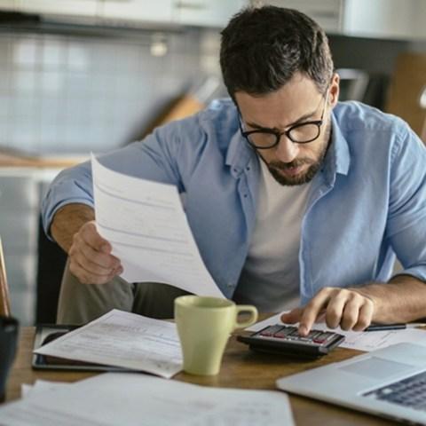 08 de enero 2020, Afore para freelancer, Freelancer, Empleado, Trabajador independiente, Computadora, Café