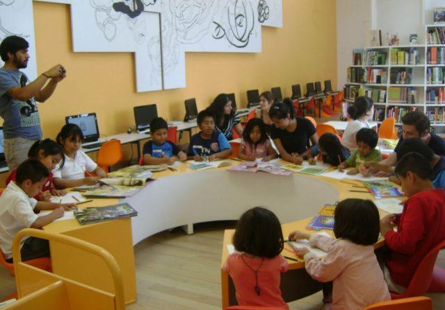 7 de enero de 2020, dinero, beca, un grupo de niños se concentran (Imagen: Especial)