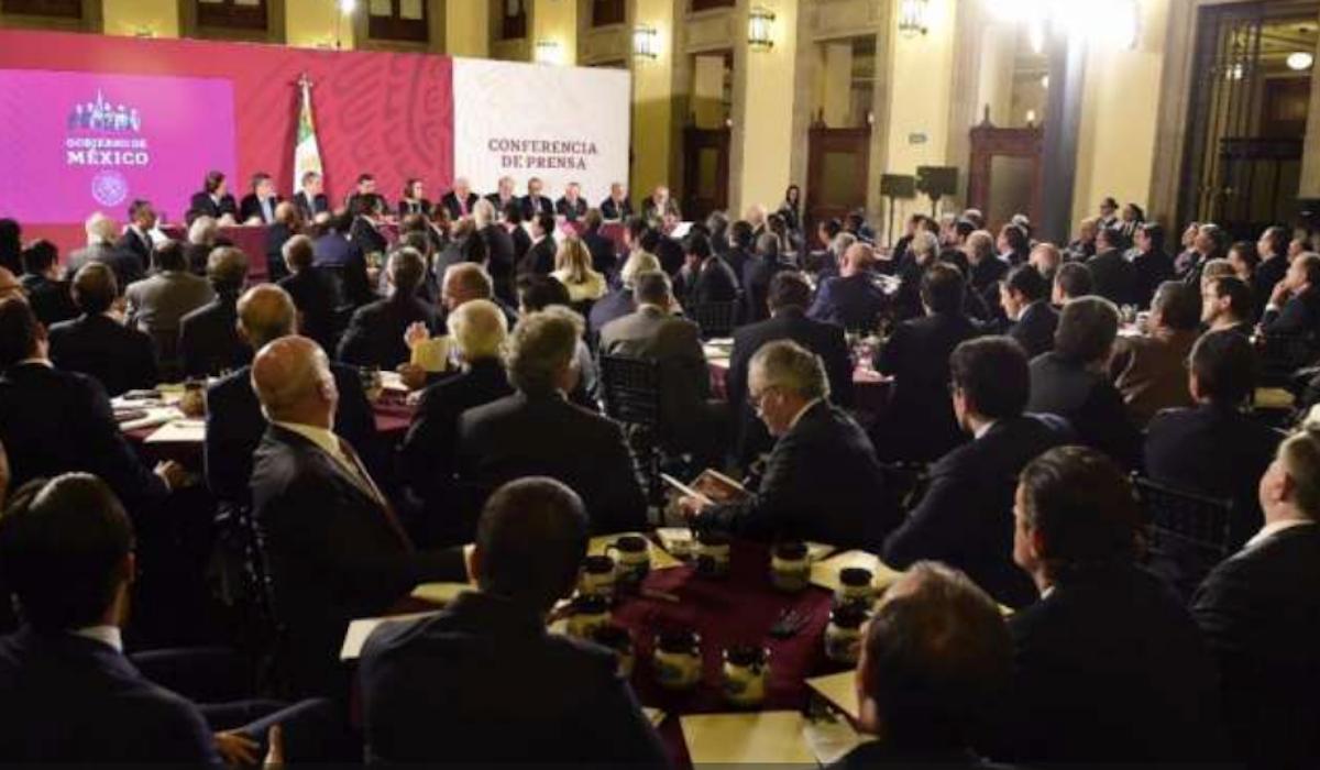 13 de febrero de 2020, AMLO, cena