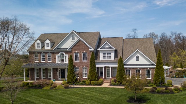 10 de febrero 2020, Papeles para vender una casa, Casa, Propiedad, Venta de Casa, Inmueble