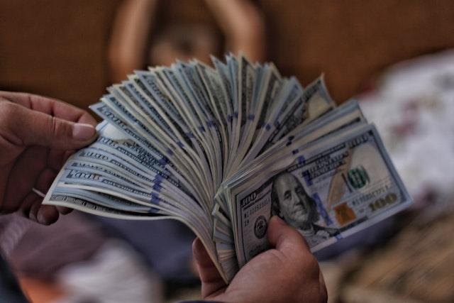 dinero, ingresos, petróleo, medidas crisis mercados y precios petróleo