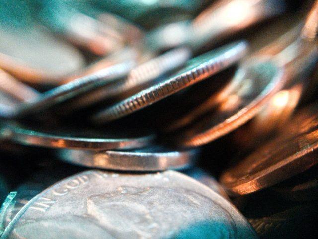 23 de marzo de 2020, monedas de dólares (Imagen: Unsplash)