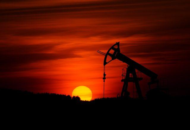 9 de marzo de 2020, extracción de petróleo (Imagen: Unsplash)