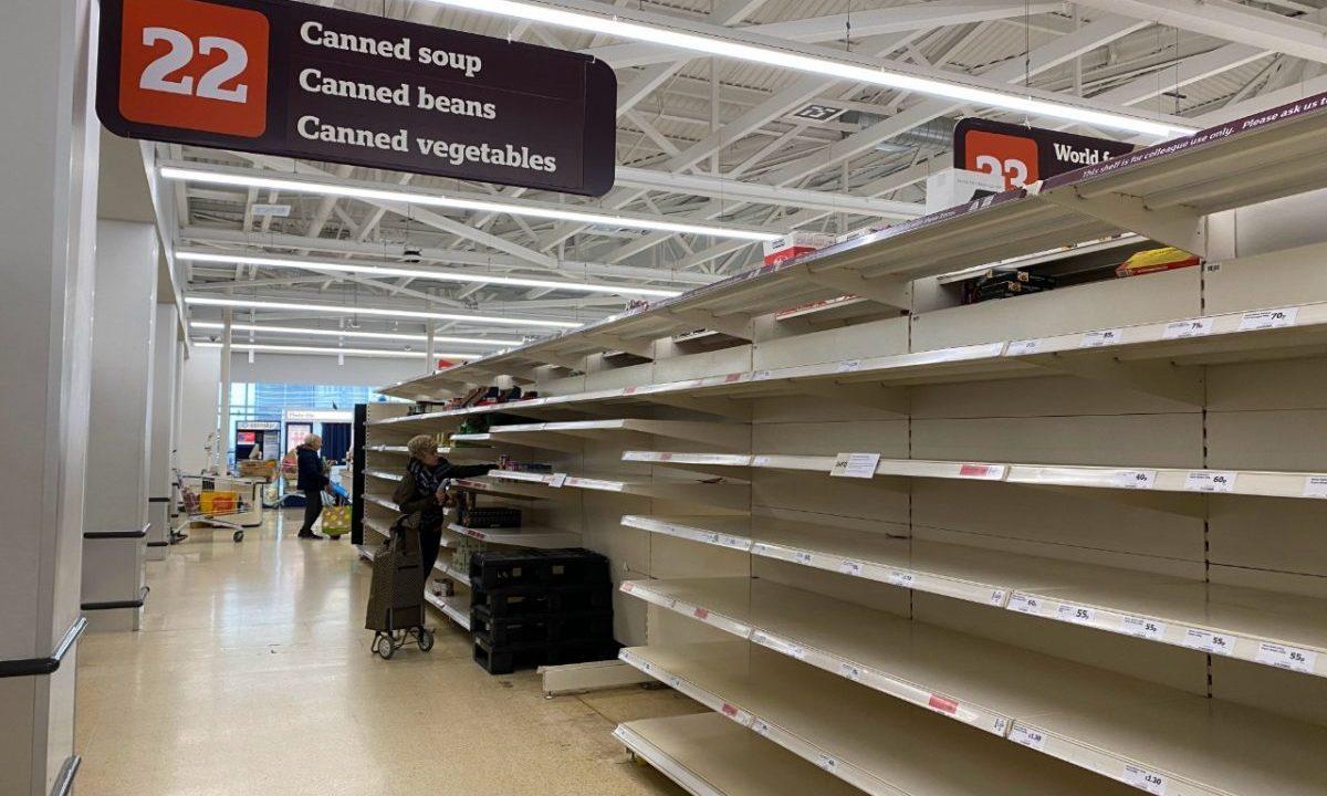 23 de marzo de 2020, anaqueles vacíos en una tienda de autoservicio (Imagen: Unsplash)