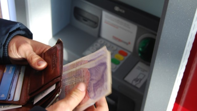 Créditos en cajeros automáticos, Créditos