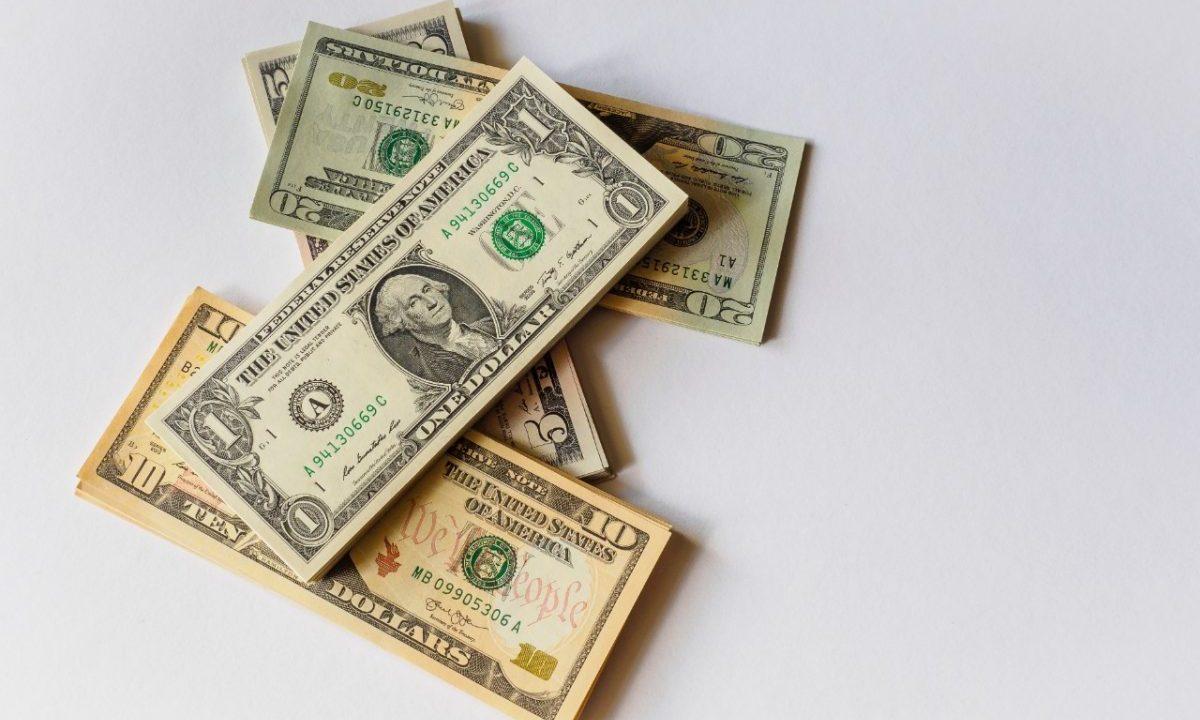 Billetes de dólar (Imagen: Unsplash)