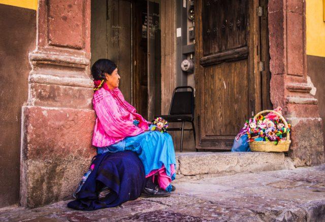 Mujer en pobreza en México (Imagen: Unsplash)
