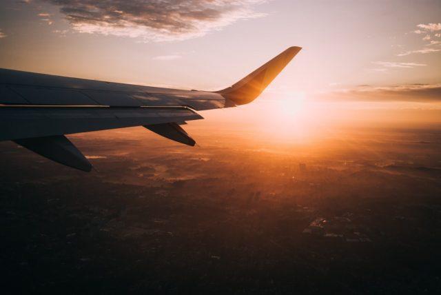 Avión turístico (Imagen: Unsplash)
