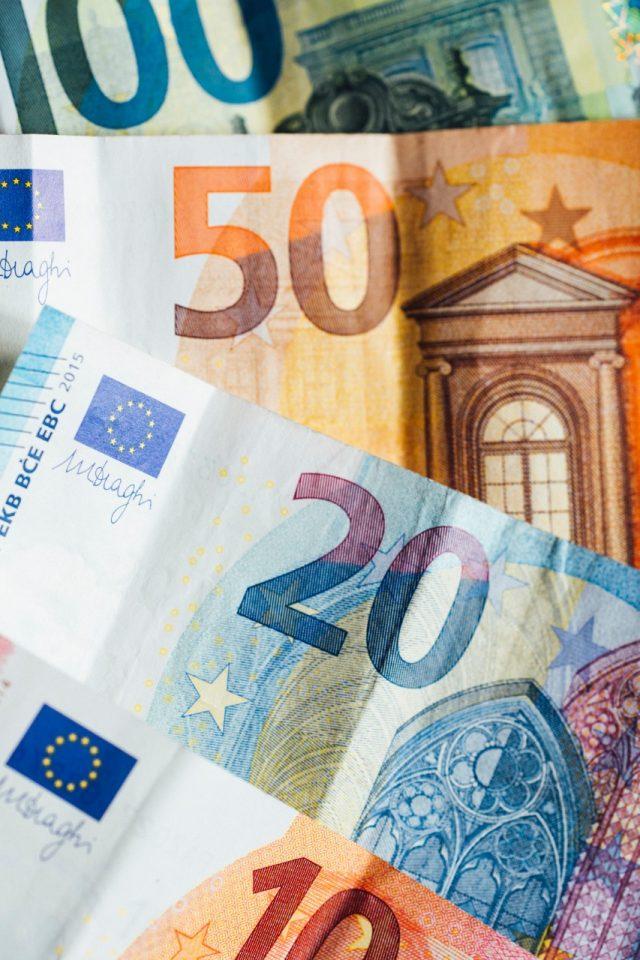 Dinero de la Unión Europea (Imagen: Unsplash)