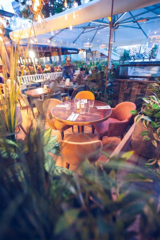 Mesas de restaurante (Imagen: Unsplash)