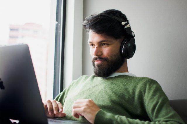 No se prohíbe uso de barba en el trabajo (Imagen: Unsplash)