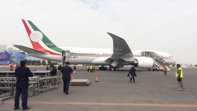Avión presidencial de México (Imagen: Twitter @ZETATijuana)