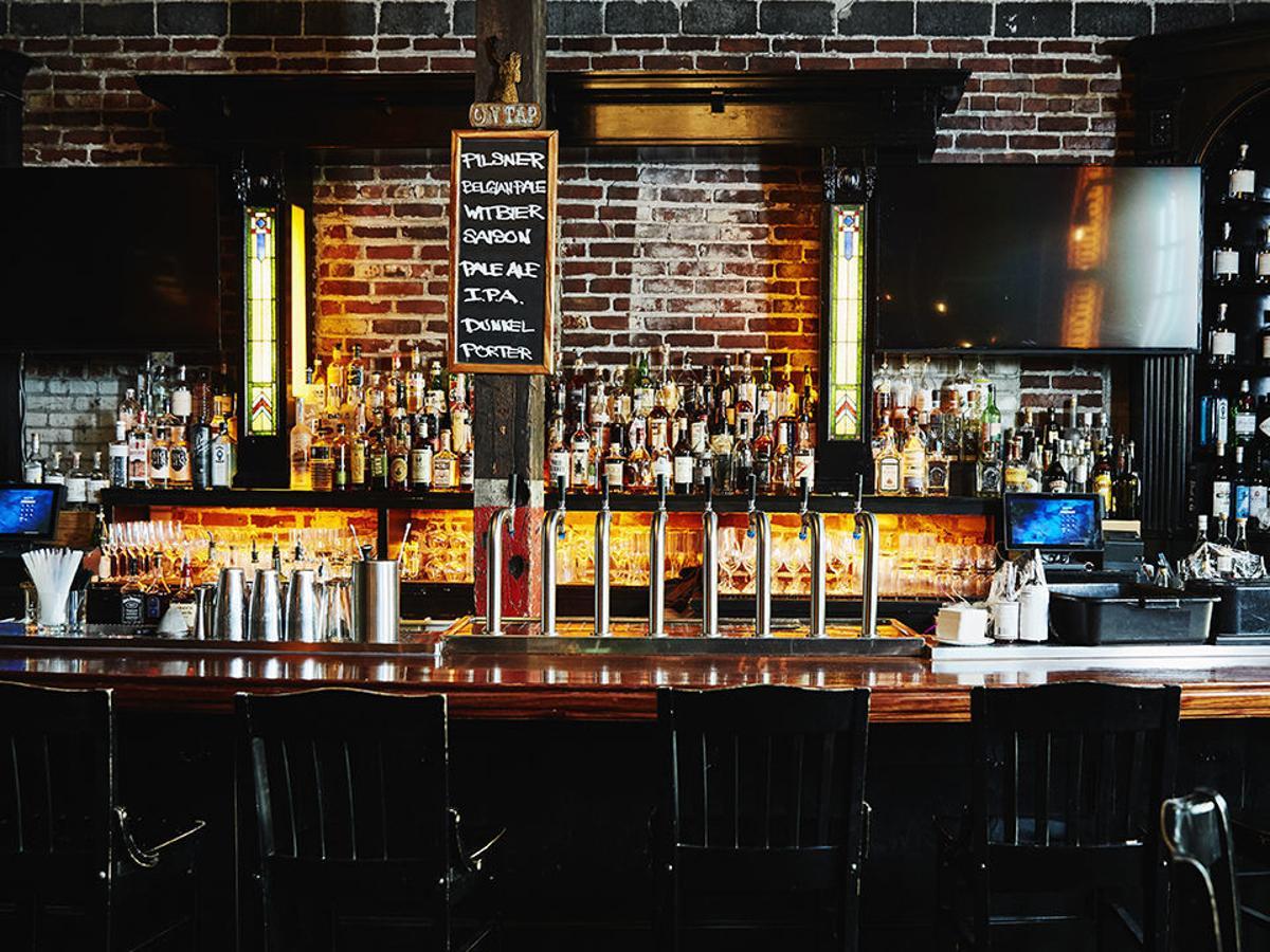 ¿Cómo sería la nueva normalidad en los bares?