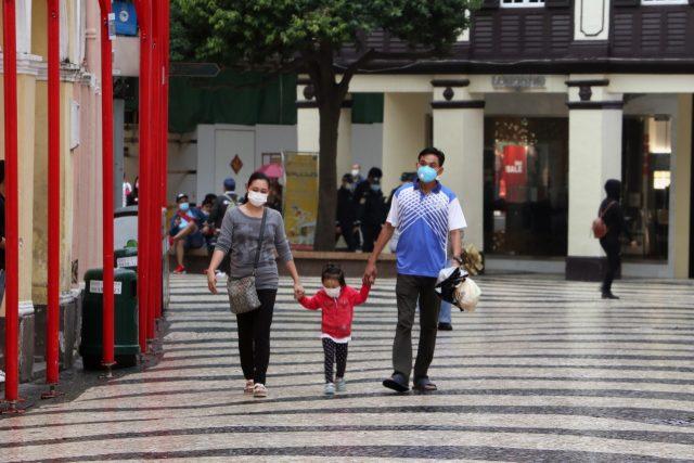 Camina gente en calles tras coronavirus (Imagen: Unsplash)