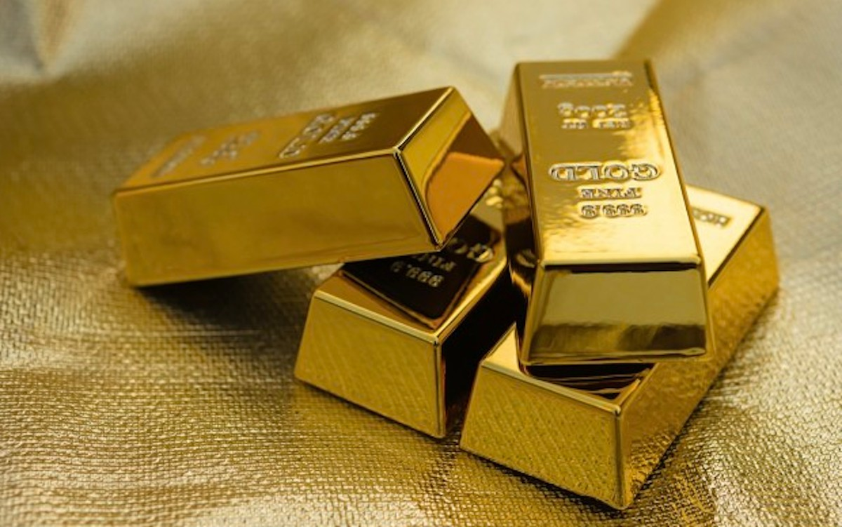 Pasó US$ 1.800 y rompió máximos de 9 años — Oro record