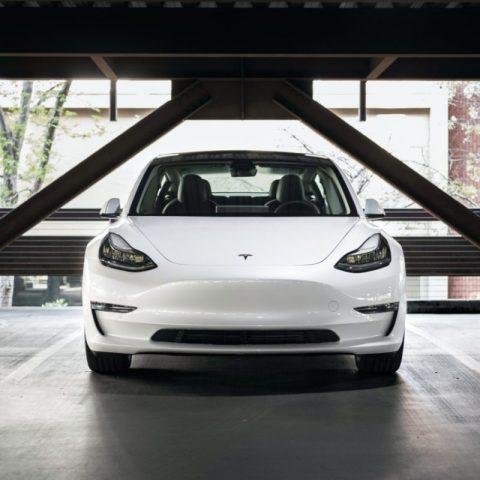 Tesla supera a Toyota (Imagen: Unsplash)