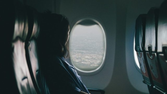 Pasajero de un vuelo en avión (Imagen: Unsplash)
