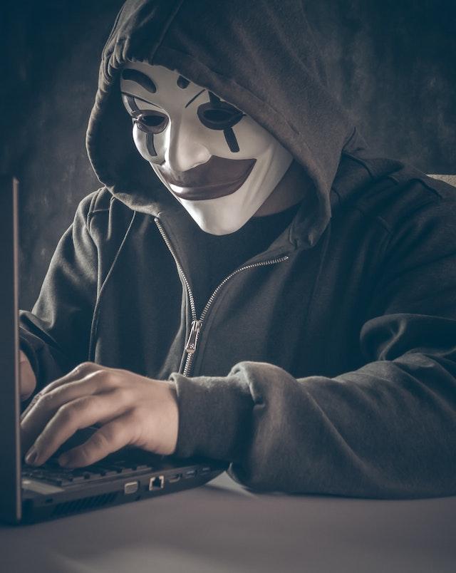 Hackers, Ciberataques, Amenaza Para Empresas