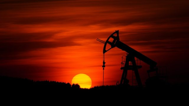 Industria petrolera, Petróleo,