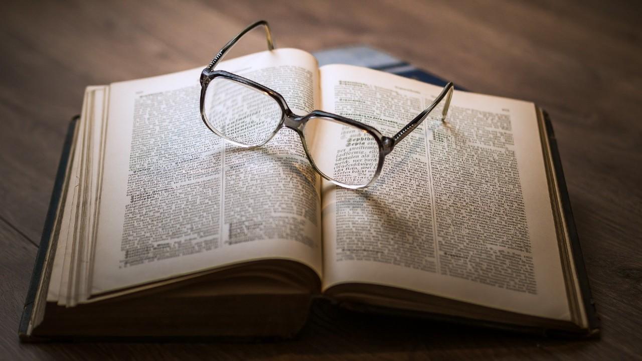 Rechazo Cero de la SEP permitirá que jóvenes sigan estudiando con libros y usando lentes
