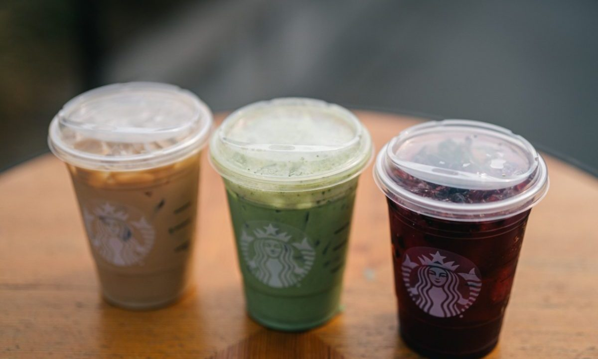 Starbucks ya no vende popotes (Imagen: Starbucks)