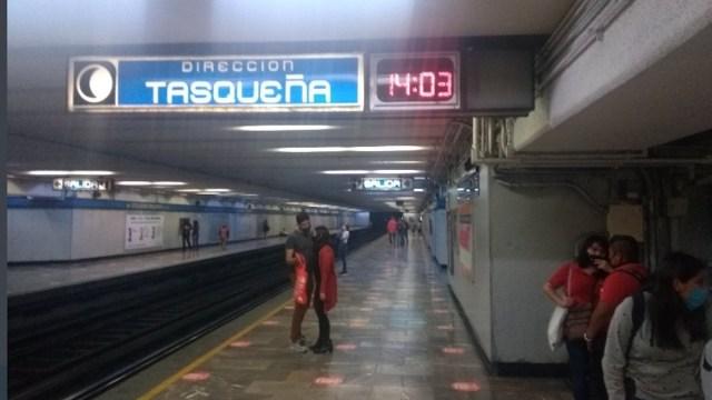 Estación del Metro en CDMX (Imagen: Twitter @cronicabanqueta)