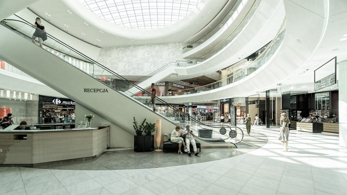 Estas son las ventajas y desventajas de vivir cerca de un centro comercial
