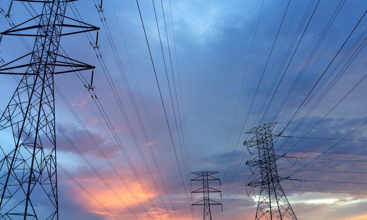 ¿Por qué a CFE le conviene comprar la energía a privados antes que producirla?